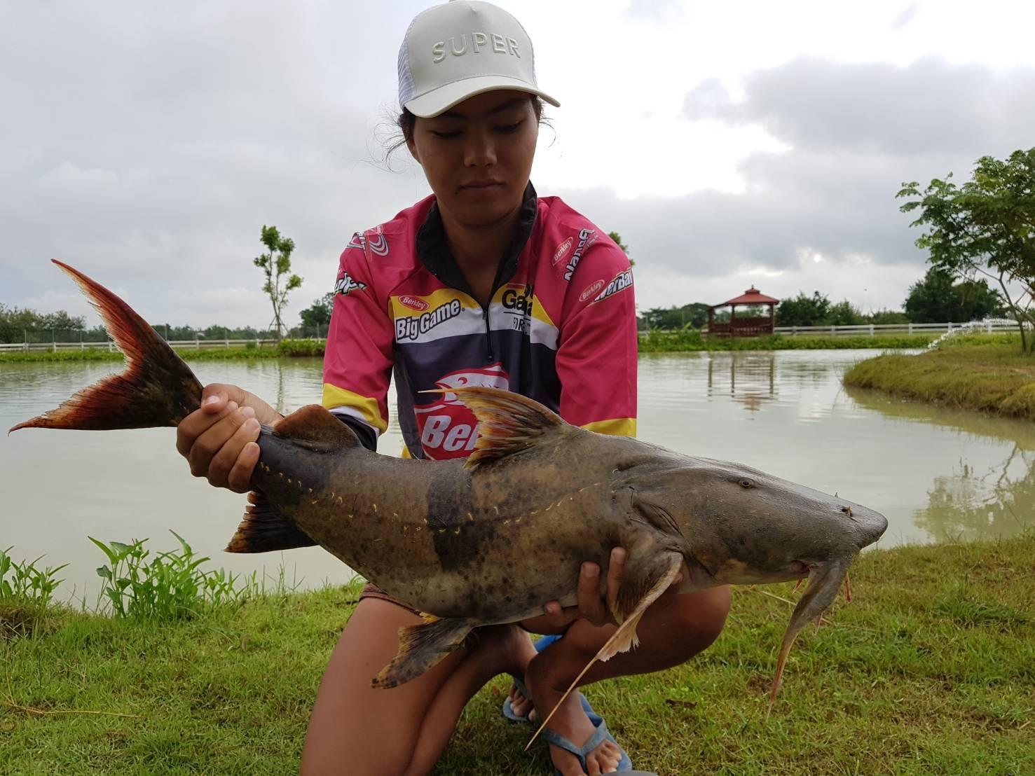 New stock leks private fishing lake udon thani for Private fishing lakes